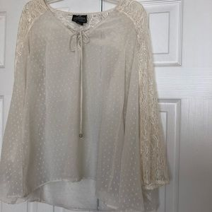 Elegant sheer top with bell lace sleeves. EUC.